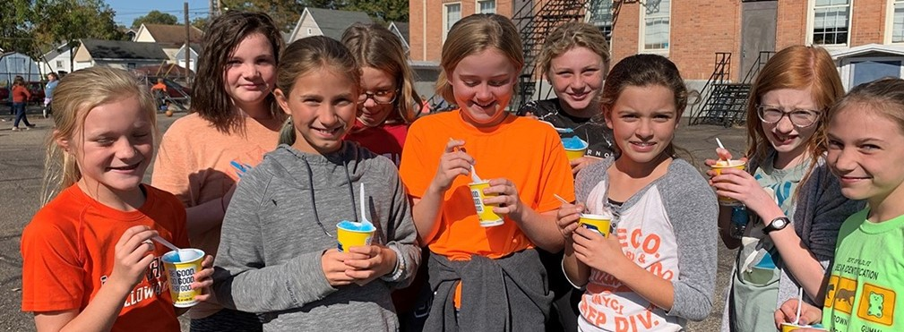 East Elementary students enjoying Icees on the playground during Homecoming Week.