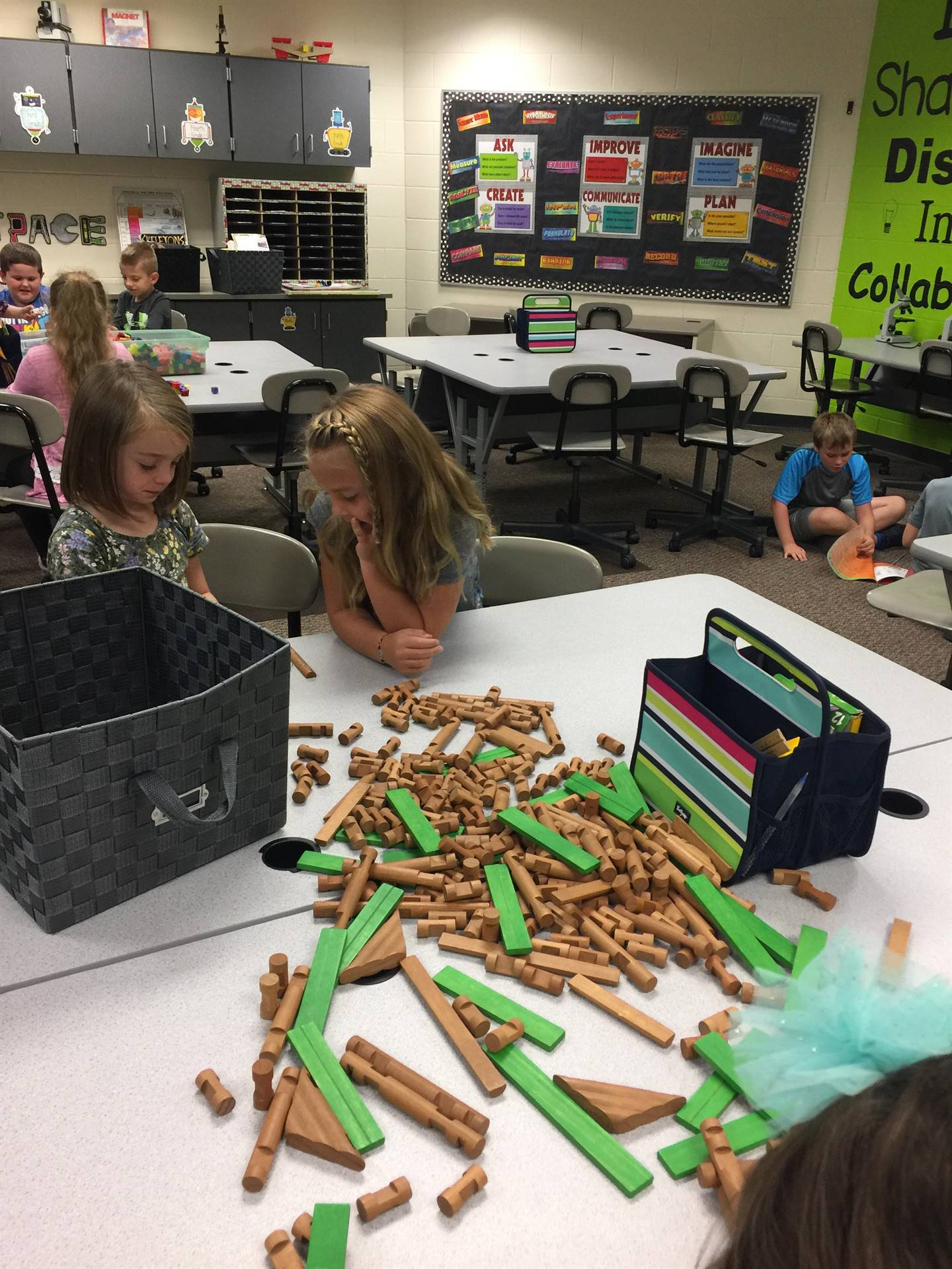 Exploring/Playing in the STEM Lab